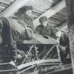 Занятия в землянках на учебном аэродроме зимой